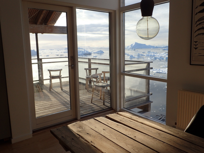 Red view from livingroom - Ilulissat Guesthouse