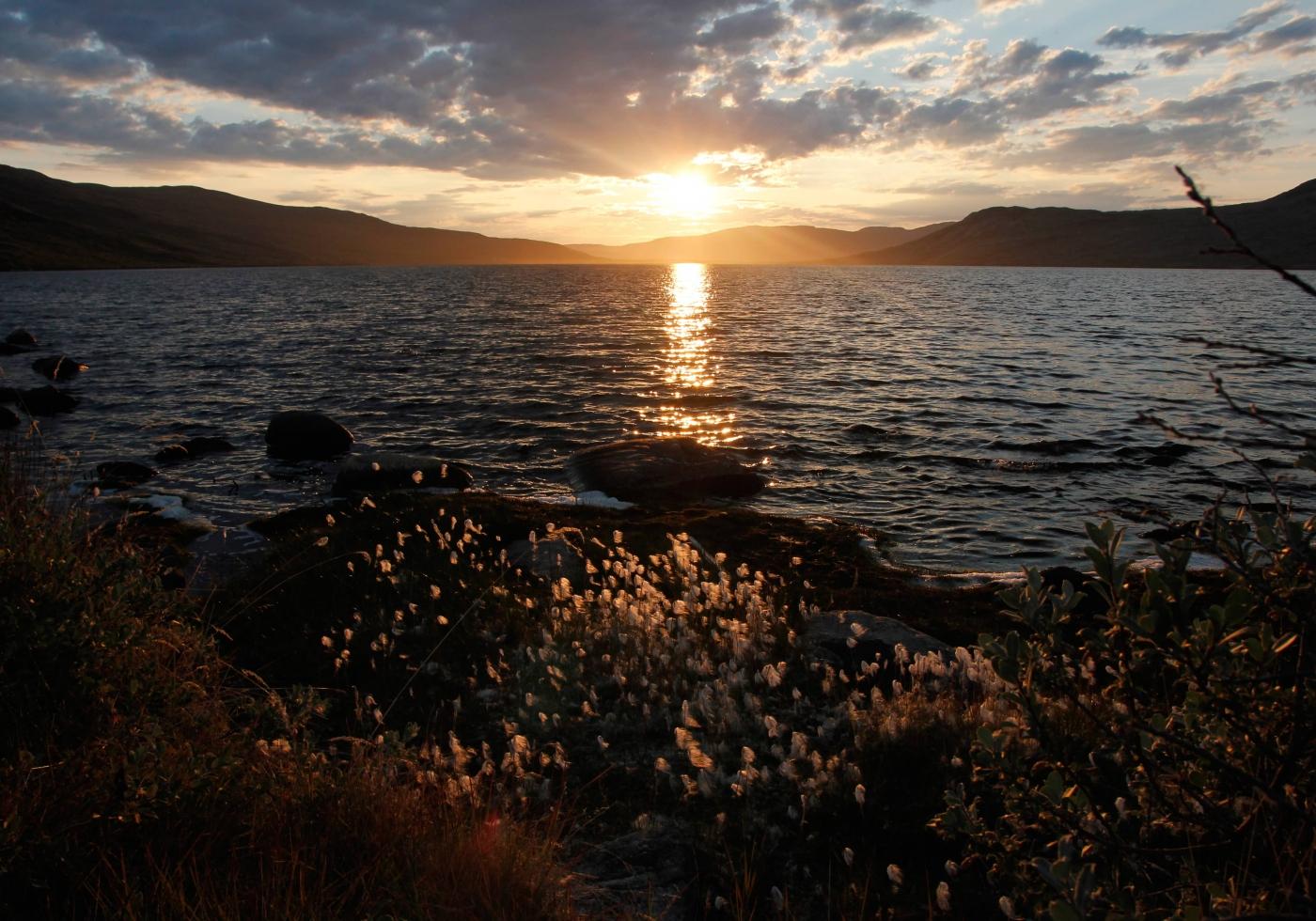 Beautiful sunset at Tasersuatsiaq. Photo by Filip Hanzak