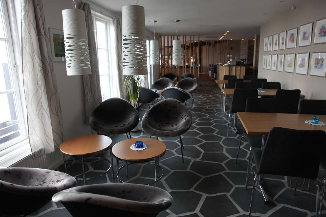 Dining and lounge area at Hotel Angmagssalik in Tasiilaq East Greenland. Photo by Hotel Angmagssalik