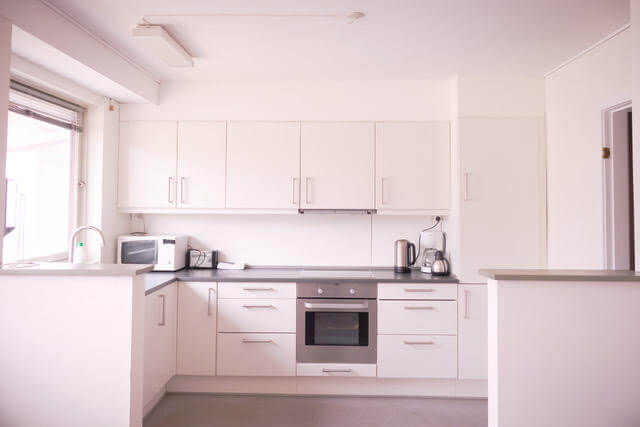 Open, fully-equipped kitchen. Photo by Lisa Germany, Visit Greenland