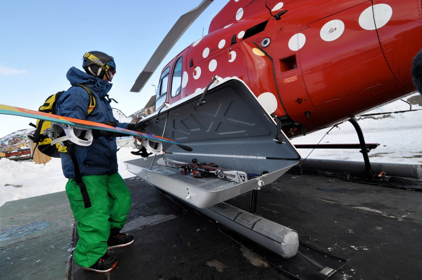 Helicopter ski luggage. Photo by Mads Pihl - Visit Greenland