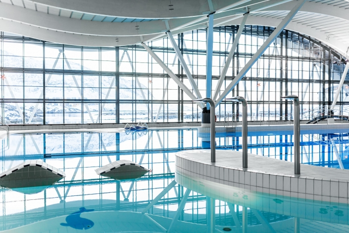 Interior of the indoor swimmingpool Malik in Nuuk in Greenland. Photo by Rebecca Gustafsson - Visit Greenland