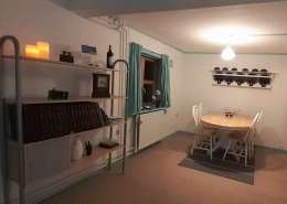 Large dining area. Photo by Mikami Hostel