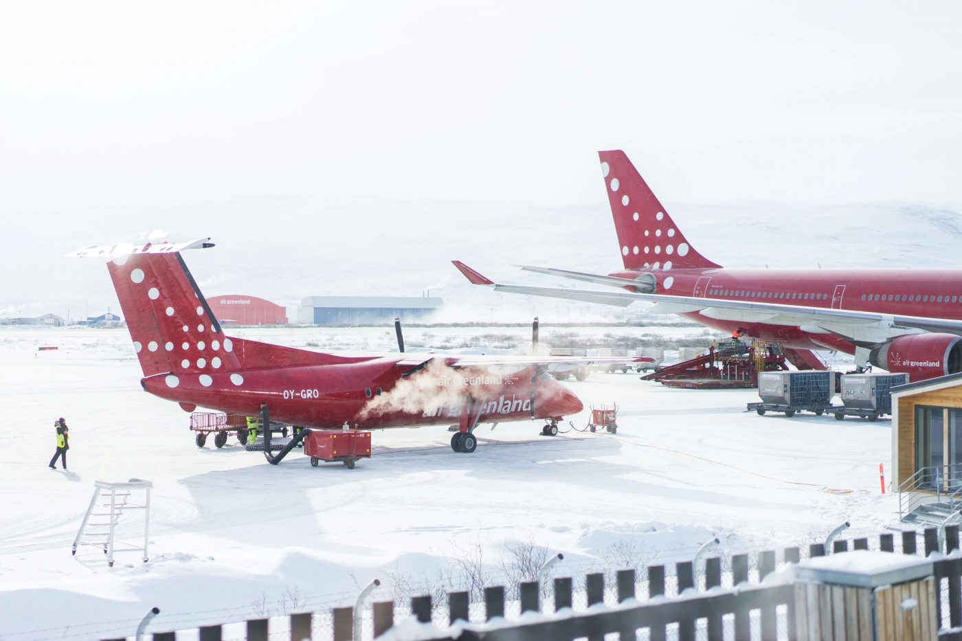 Air Greenland airplanes waiting for takeoff in Kangerlussuaq. Photo by Filip Gielda, Visit Greenland