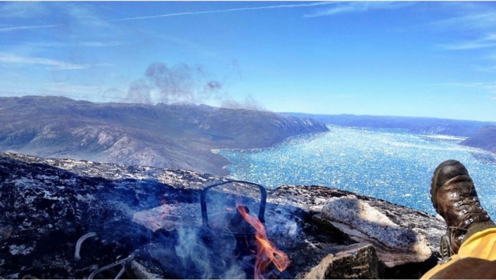 High up in the mountains in Greenland. Relaxing by the fireplace. Photo by Two Ravens, Visit Greenland.jpg