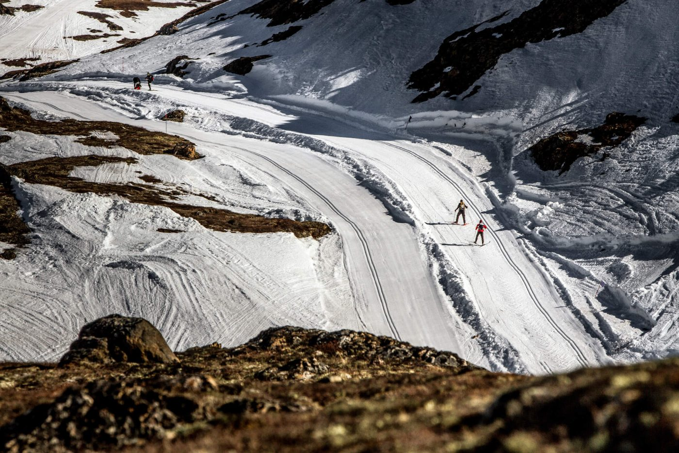 Skiers out on the route of the Arctic Circle Race. Photo by Mads Pihl, Visit Greenland
