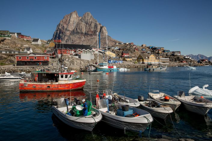 The harbour in Uummannaq in Greenland. Photo by Mads Pihl - Visit Greenland