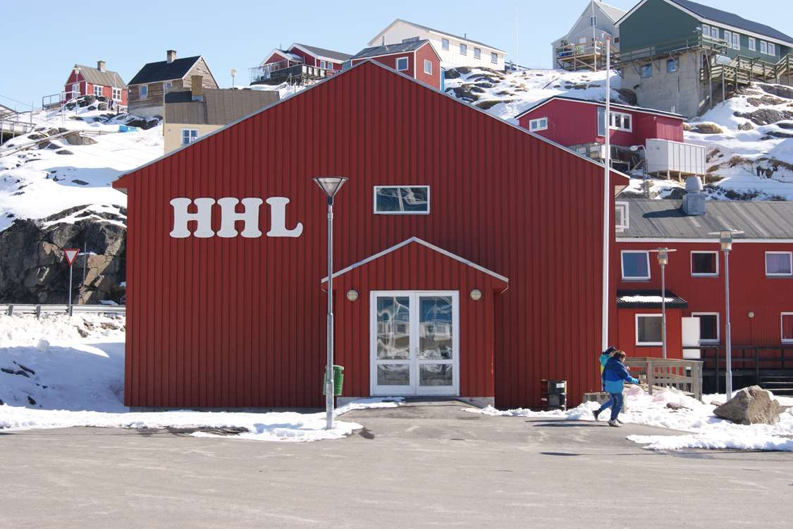 Entrance view of Hotel in Maniitsoq. Photo by Hotel Heilmann Lyberth - Visit Greenland
