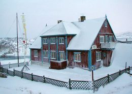 The local art museum in Ilulissat covered in snow. Photo by Ilulissat Art Museum - Visit Greenland
