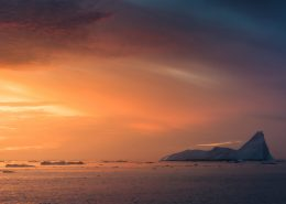 In late August, the Disko Bay and alignment of the sunset are a match made in heaven. Here's one image captured while on a tour with World of Greenland. By Stian Klo