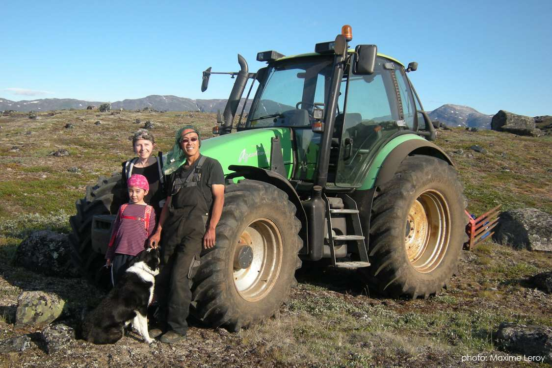 Owners of Ipiutaq Guest Farm, their daughter and sheep herd dog in Summer. Photo by Maxime Leroy