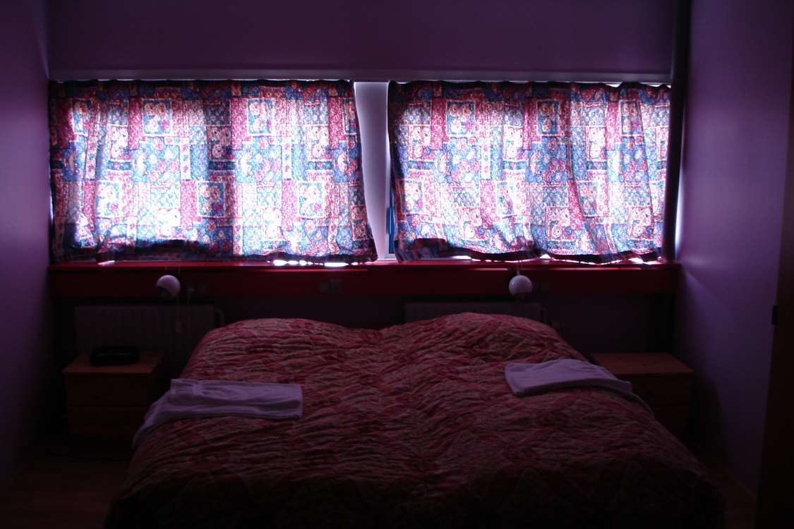 Double room with large window. Photo by Sulisartut Højskoleat, Visit Greenland